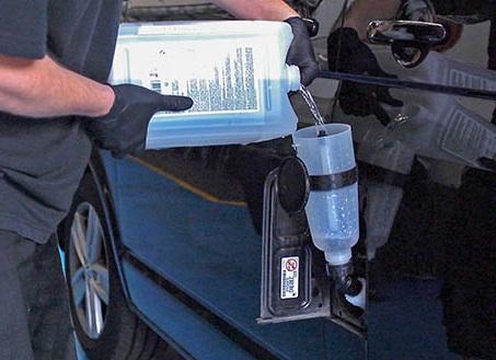 Доливка в автомобиль мочевины AdBlue